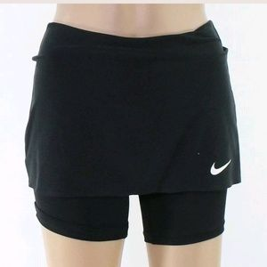 NIKE Stretch skirts size small 6/8